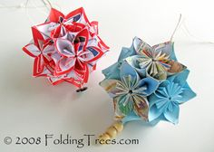 An easy two part tutorial for making kusudama balls with blossom type modules. I have made these with success using Post-it Notes.
