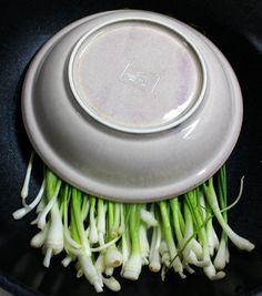5분도 안 걸려 만든 아삭하고 달콤한 쪽파 장아찌 담그는 방법 K Food, Korean Food, Fritters, Kimchi, Pickles, Cooking Recipes, Dishes, Food And Drink, Vegetables