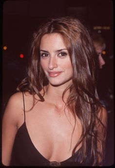 Les actrices brunes les plus belles du monde The most beautiful brown actresses in the world Penelope Cruz Plus Beautiful Celebrities, Beautiful Actresses, Penelope Cruze, Spanish Actress, Salma Hayek, Hollywood Actresses, Beauty Women, Hair Beauty, Monica Cruz