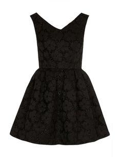Vestido negro con flores 3D de Topshop, 26 €