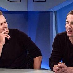 Look at these two handsome Studs! Wearing the same sweaters 'n' shit! Grrrrrrr... •••••••••••••••••••••••••••••••••• #SamHeughan #Scot #SexySam #Scotland #Scottish #JAMMF #JamieFraser #Outlander #OutlanderStarz #HotScot #Actor #Sam #Sexy #Sheugs #StudMuffins #Random #KingOfMen #nofilter #Perfection #RingCon #39DaysLeft #TobiasMenzies #ScottishDreamboat #MenAfterMyOwnHeart
