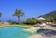 Pool and sea views.
