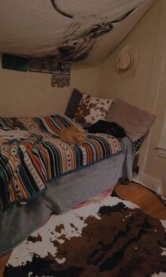 Cute Bedroom Ideas, Cute Room Decor, Room Ideas Bedroom, Home Decor Bedroom, Bed Room, Cowgirl Bedroom, Western Bedroom Decor, Western Rooms, Aesthetic Room Decor
