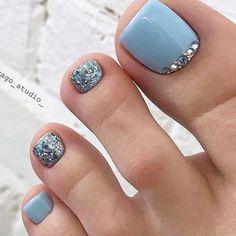 Pin by robertmallardtht on feblaid in 2020 Pretty Toe Nails, Cute Toe Nails, Cute Toes, Cute Acrylic Nails, Pretty Toes, Simple Toe Nails, Pedicure Designs, Pedicure Nail Art, Toe Nail Designs