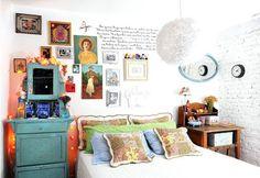 vintage eclectic bedroom & wall idea
