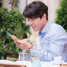 Hyunbin - Memories of the Alhambra Cr: tvndrama Hyun Bin, Asian Actors, Korean Actors, Korean Dramas, Hyde Jekyll Me, Netflix, Happy Pills, Park Shin Hye, Drama Korea