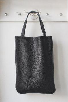 Black Leather Tote every day tote bag van patkas op Etsy, $90.00