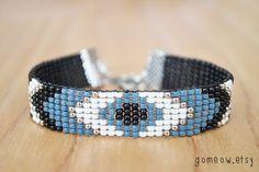Bead Loom Bracelet // Black and White Bracelet // Blue от Gomeow