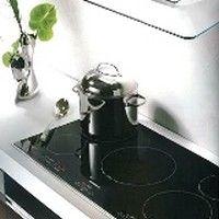 Nettoyer une Plaque Vitrocéramique avec du Vinaigre Blanc.