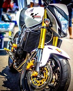 Tooop linda  ______________________________________________ #bikelife #Instamotogalery  #bikervideos #moto #motor #bike #repost  #photooftheday #yamaha #motorcycle #motocross #motorbike #honda #ktm #bmw #car #sportbiker #like4like #gopro #seguidores #kawasaki #ducati #cbr  #followme #suzuki  #eusouduasrodas by eusouduasrodas
