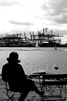 Strandperle Hamburg @Laura Jayson Jayson Plantikow
