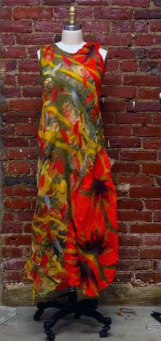 Beautiful and colourful dress by Barbara Poole. http://www.bfelt.com/