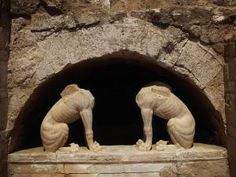 Archaeologists in Greece find two large marble statues at ancient tomb with possible link to Alexander the Great Ancient Tomb, Ancient Ruins, Ancient Artifacts, Ancient Greece, Ancient Egypt, Greek History, Ancient History, European History, American History