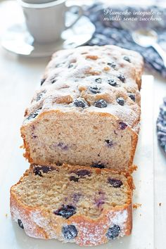 Plumcake integrale mirtilli e yogurt senza zucchero-Una siciliana in cucina Tortilla Sana, Light Cakes, Plum Cake, Healthy Cake, Pinterest Recipes, Light Recipes, Stevia, Just Desserts, Love Food