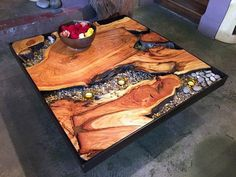 Rustic Outdoor Patio Table Design Ideas On A Budget 30 Resin Patio Furniture, Backyard Furniture, Log Furniture, Rustic Backyard, Rustic Outdoor, Rustic Table, Wood Table Design, Coffee Table Design, Coffee Tables
