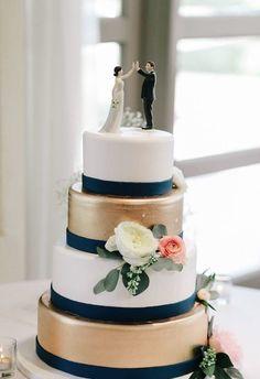 Wedding Cake Inspiration - Photo: Joel Bedford