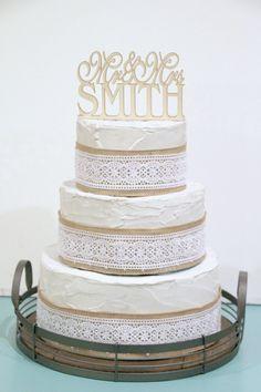 Rustic Wedding Cake Topper Mr and Mrs Topper von RusticWeddingStop, $25.00