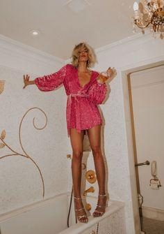 Mode Disco, Mode Outfits, Fashion Outfits, Miami Outfits, Look Rose, Girls Night Out Outfits, Night Out Dresses, Nye Dresses, Dressy Dresses