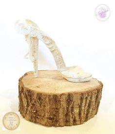 Bridal Shoe - A Walk on the Wild Side Collaboration  by Claire Lawrence - http://cakesdecor.com/cakes/211172-bridal-shoe-a-walk-on-the-wild-side-collaboration