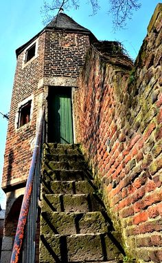 Tower and stairs and a great post on creative writing prompts. Read mnore.