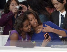 malia-sasha-obama-2013.jpg