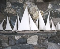 Totally making one of these with the extra driftwood I have downstairs!!