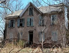 Abandoned House by dcsaint, via Flickr