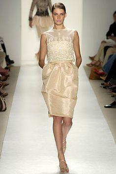 Oscar de la Renta Spring 2004 Ready-to-Wear Collection Slideshow on Style.com