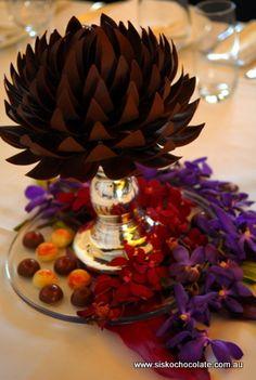 http://www.siskochocolate.com.au/simpleviewer/images/Mixed_Flower_Tablecentre.jpg