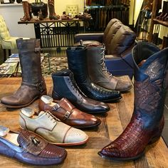 Casual, dress or western? Celebrate Dad with our unique and timeless Cuadra Mexican artisan shoes, boots and accessories handmade of premium leathers with handcrafted details. Shop in Downtown Vancouver and online. Link in bio.   #fathersday #fathersdaygift #fathersdayvancouver #fathersdaycanada #cuadraboots #cuadrashoes #menshoes #menboots #artisanshoes #artisanboots #calgarystampede #affordableluxury #fashioncanada #vancouverfashion Downtown Vancouver #vancouvershopping