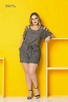 Source by antnia_n fashion para gordinhas Curvy Women Fashion, Plus Size Fashion, Plus Size Dresses, Plus Size Outfits, Looks Plus Size, African Fashion Dresses, Chic Outfits, Plus Size Women, Casual Looks