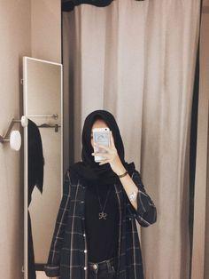 Ideas style hijab remaja gendut for 2020 Hijab Casual, Hijab A Enfiler, Moda Hijab, Hijab Stile, Girl Hijab, Hijab Chic, Modern Hijab Fashion, Street Hijab Fashion, Hijab Fashion Inspiration