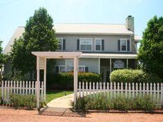 RUNNYMEDE COUNTRY INN | CHELSEA ROOM - Fredericksburg country bed & breakfast, #fredericksburg #gastehaus