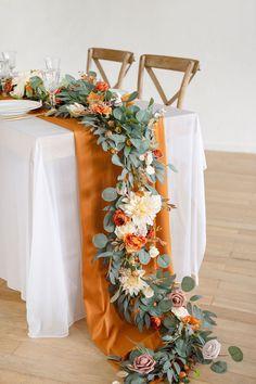 Greenery Garland, Flower Garlands, Greenery Bouquets, Greenery Decor, Table Orange, Thanksgiving Wedding, Thanksgiving Tablescapes, Deco Floral, Leaf Flowers