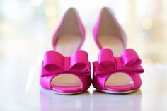 Magenta pink bow wedding shoes. Kate Spade inspired wedding. Be inspired by @theinspirassion