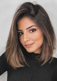 Choppy and Wavy Lob - 60 Inspiring Long Bob Hairstyles and Long Bob Haircuts for 2019 - The Trending Hairstyle Brunette Hair Color With Highlights, Balayage Hair Blonde, Brown Blonde Hair, Hair Highlights, Long Bob Balayage, Brunette Color, Brunette Woman, Medium Hair Cuts, Medium Hair Styles