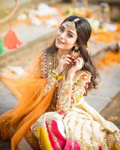 Pakistani Fashion Party Wear, Pakistani Wedding Outfits, Indian Bridal Fashion, Pakistani Bridal Dresses, Bridal Mehndi Dresses, Wedding Dresses For Girls, Party Wear Dresses, Girls Dresses, Indian Photoshoot