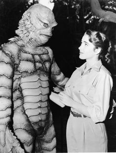Julie Adams ( October 1926 – February Hollywood actress remembered as the terrorized swimmer in the 1954 cult classic Creature From the Black Lagoon ! Scary Movies, Old Movies, Vintage Movies, Comedy Movies, Julie Adams, Retro Horror, Vintage Horror, Horror Art, Creepy Vintage
