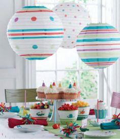 Sustituyendo los globos por decoraciones de papel