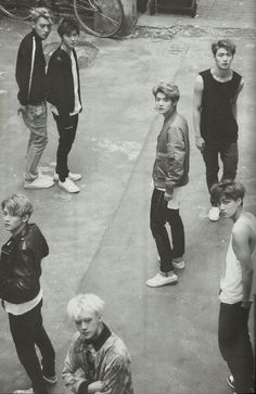 Exo if I walked around a corner and saw this I'd be stopped dead in my tracks and stop breathing.. Not exaggerating either...so shy sometimes it verges on crippling..