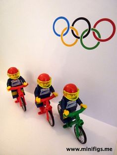 Ed Clancy and the men's team pursuit cyclists lego
