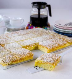 Silviakaka i långpanna - ZEINAS KITCHEN No Bake Desserts, Delicious Desserts, Dessert Recipes, Zeina, Danish Food, Swedish Recipes, Sweet Pastries, Everyday Food, How Sweet Eats