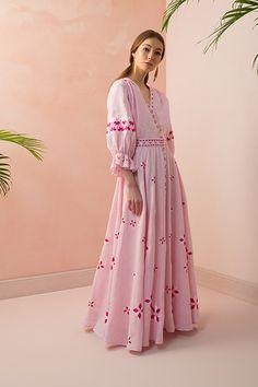 Sleeves Designs For Dresses, Dress Neck Designs, Stylish Dress Designs, Stylish Dresses, Casual Dresses, Dress Indian Style, Indian Fashion Dresses, Indian Designer Outfits, Simple Pakistani Dresses