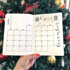 December monthly spread before I fill it in 🎄🎁 decided to get a little festive, doodles inspired by