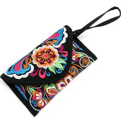 :: authentic embroidery purse beautifully made from a village in Yunnan, China:: cotton and linen blended fabric; Embroidery Purse, Leather Embroidery, Best Leather Wallet, Diy Wallet, Boho Bags, Little Bag, Small Bags, Wallets For Women, Purses And Handbags