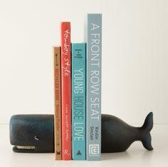 Un serre livres baleine pour votre bibliothèque - Blog Deco Design