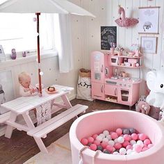 Girls Room Decor - Every girl's room is unique and passionately decorated. It's their room from where they start experimentation of both their creativity and control. The refashioning of their rooms can be done more smartly in a way more economic manner.  #GirlsRoomDecor #GirlsRoomDecorIdeas