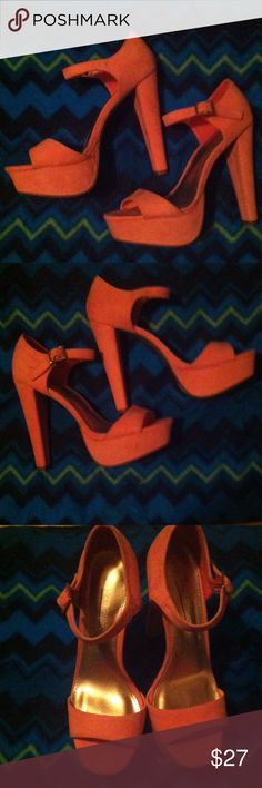 💕NWOT SEXY pink heels🎀 🎀NWOT Sexy heels made by Hot Tomato, light pink, suede (I think), buckle around ankle, never wore, only tried on, no scuffs. Stunning shoes🎀 Hot Tomato Shoes Platforms