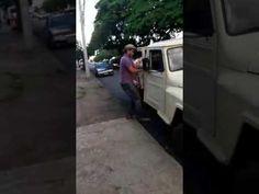 Inocente´s: Homem destrói carro na frente de policiais após se...