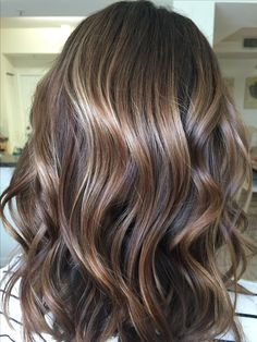 #balayage #colormelt #redkenshadeseq Balayaged with redken free hand and 40vol. Lowlights-shades 6T Root shadow-6T Toner on mid shaft->ends: shades 8n+8v